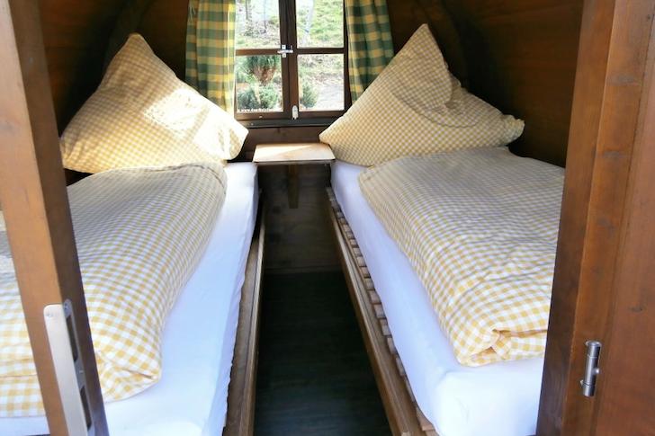 Schlafen-im-Weinfass-Wine-Barrel-Room-04