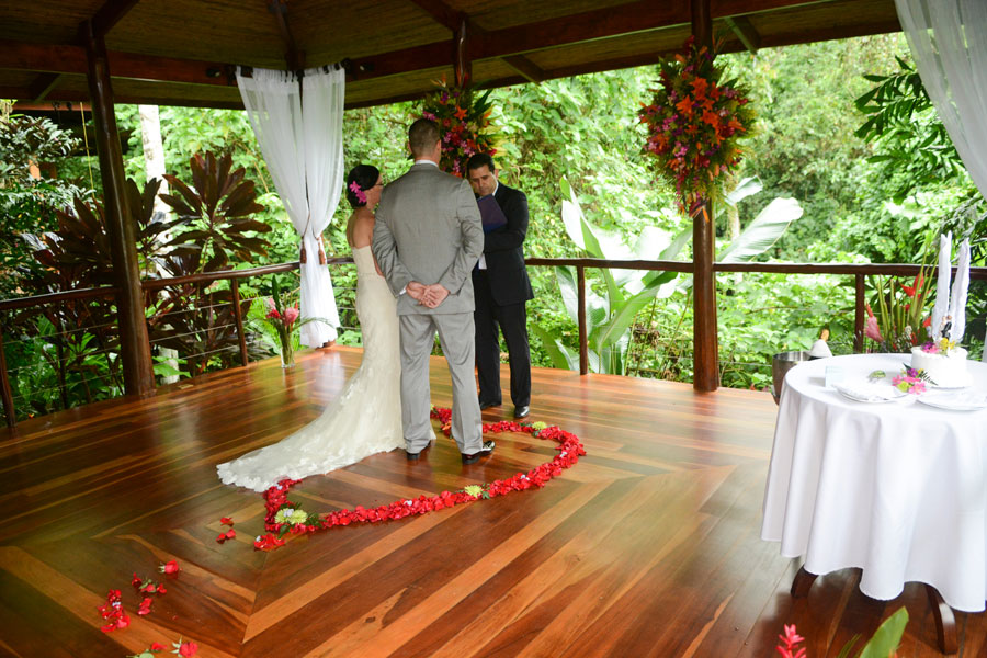 Jamie and Greg wedding photographer in Nayara Hotel Arenal Volcano Costa Rica