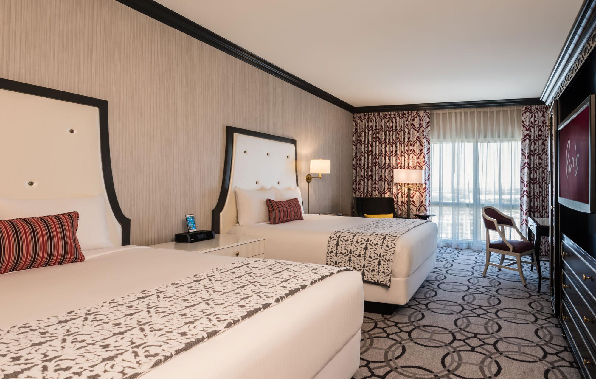 paris-standard-queen-bedroom