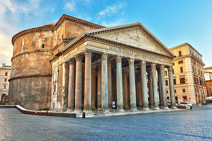 italy-rome-pantheon-exterior-view