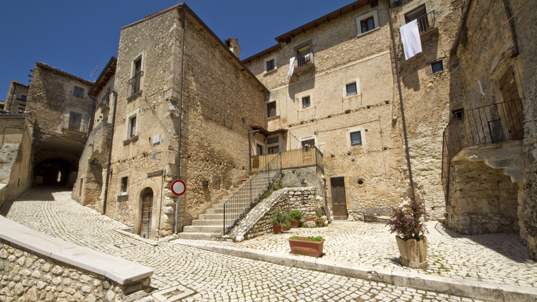 67020_Santo_Stefano_di_Sessanio_AQ,_Italy_-_panoramio_-_trolvag_(9)