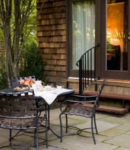 Blantyre_Carriage_House_Patio_2072-e1435846871788-260x300