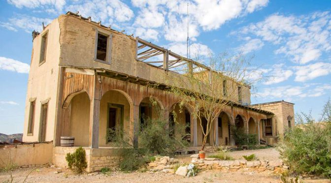 Creepy Texas ghost towns totally worth a road trip this summer