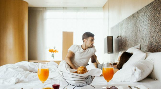 6 Hotel Sex Tips That Will Make You Thirsty for Your Next Vacation