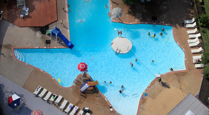 There Is A Texas-Shaped Pool In Plano, Texas