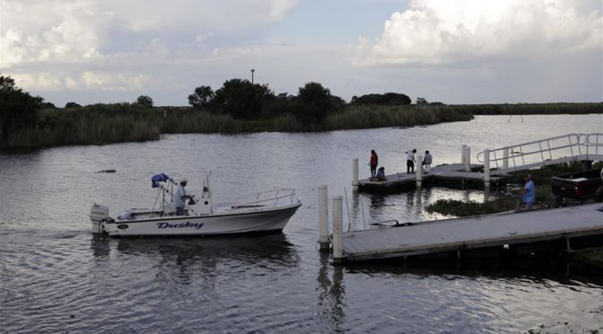 5 dead as small plane plunges into Lake Okeechobee in Florida