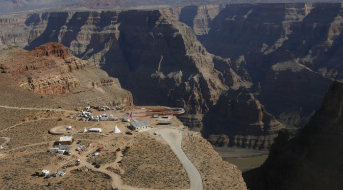 Hong Kong tourist falls hundreds of feet into Grand Canyon while attempting to snap a photo