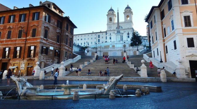 Rome Fines Tourists for Sitting on Famed Spanish Steps as Police Enforce New Restrictions