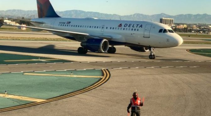 Delta parks 600 jets and scales back flights as revenue tanks