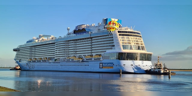 Royal Caribbean plans first fully vaccinated cruises