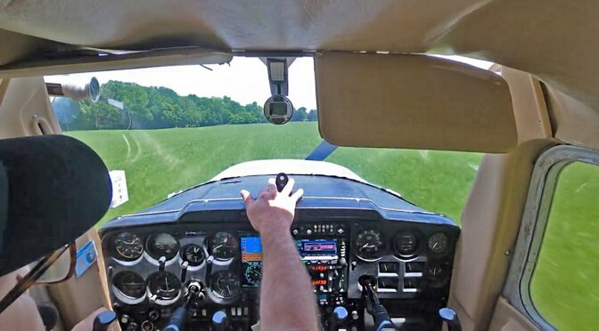 Student Pilot Loses Engine   Cockpit View + ATC   by Brian Parsley