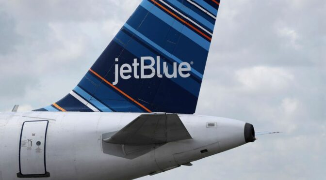 Passenger Accused Of Attacking JetBlue Flight Attendant, Rushing Cockpit On Boston To San Juan Flight